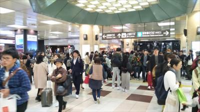 20180325_crowded_kyoto_station_r