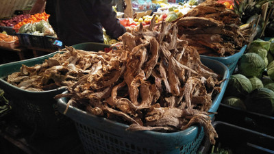 20181128_dried_fish_in_the_store_r