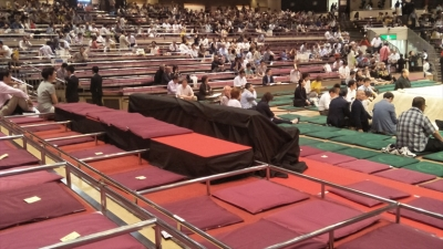 20190526_seats-for-mr-tramp-and-mr-abe_r
